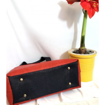 The Hope Handbag from Sewing Patterns by Mrs H - made by  @VarnaElaine_Sews - base