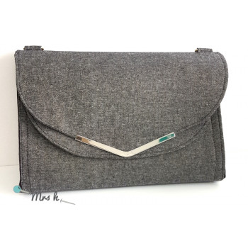 The Captivating Clutch: Alternative Flap Style