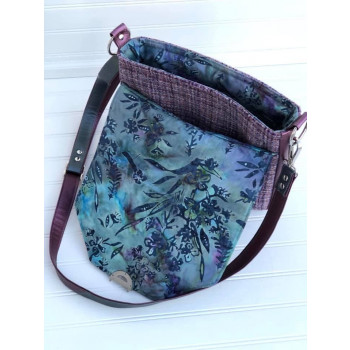 The Button Lock Bag from Sewing Patterns by Mrs H - made by Quilt Angel Creations - hidden pocket