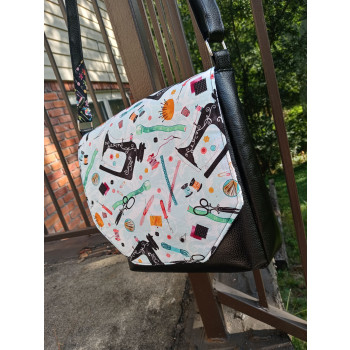 The Button Lock Bag from Sewing Patterns by Mrs H - made by Ingrid Adams - alternative catch