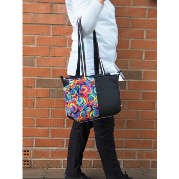 The Piped Pocket Tote made by Laura Aarsen