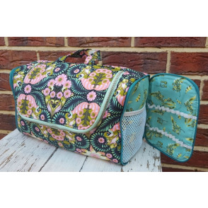 The Toiletry Tote Pattern